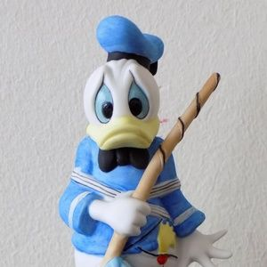 Vintage Donald Duck Porcelain Figurine
